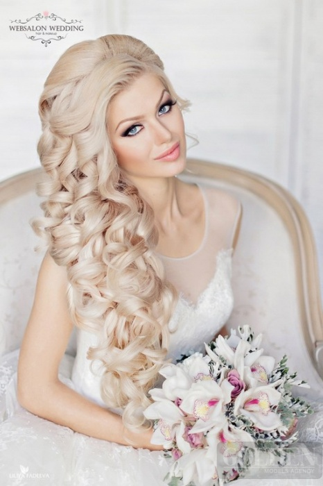 эффектные свадебные прически